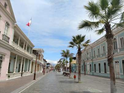The main drag in Iquique