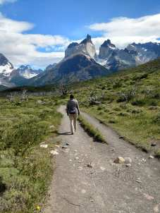 Walking the cuernos trail